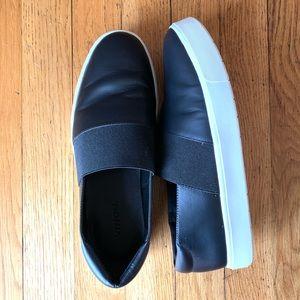 Vince slip on sneaker